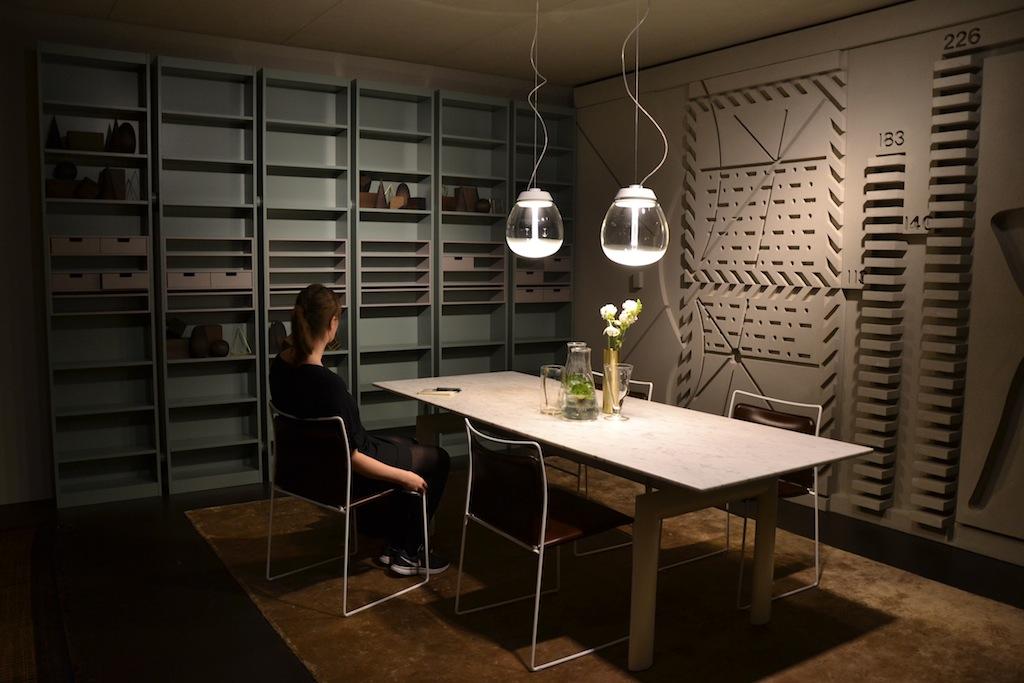 L 39 omaggio di cassina a le corbusier per il salone del mobile 2015 - Tavolo cristallo le corbusier ...