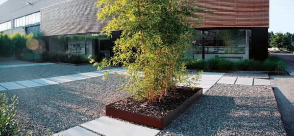 Progettare giardini e terrazze le pavimentazioni in - Ghiaia per giardino ...
